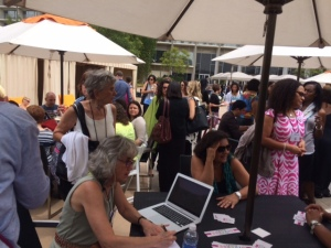 Tons of people came to the #WeNeedDiverseBooks poolside chat!